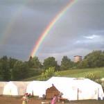 Zwei (!) Regenbögen über dem Zeltlager der Sulzer 2001. Hat zwar nichts mit einem Überfall zu tun, aber ist doch trotzdem schön, oder?